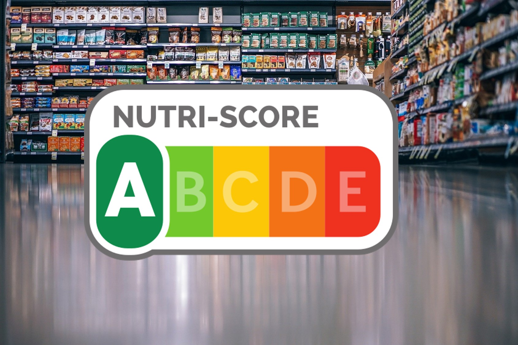 Nutriscore-Logo vor Supermarkt-Regal
